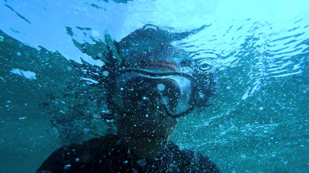 Underwater diver with mask