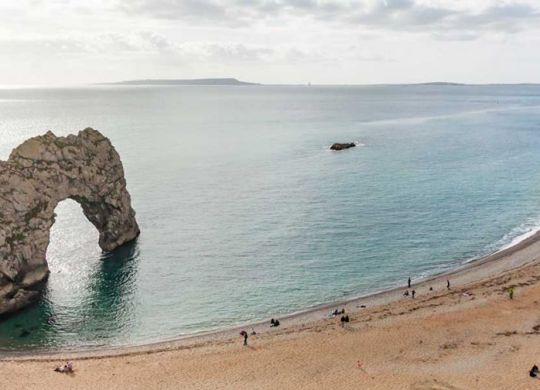 Durdle_Door_in_Dorset_-_2017-10-03_A